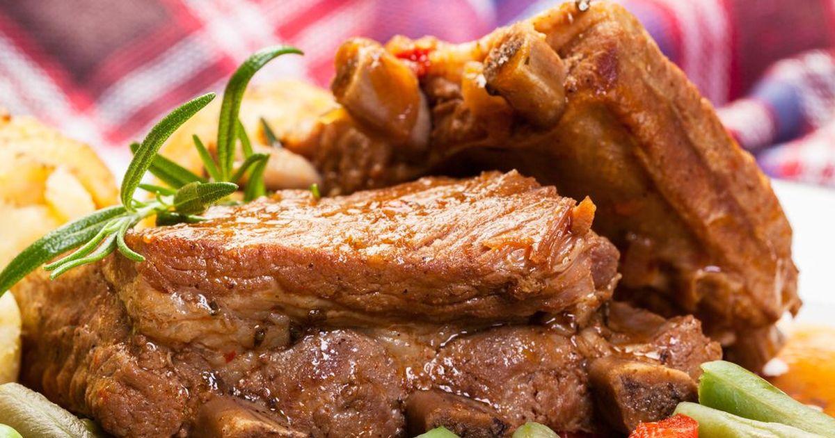 Фото Свиные ребра с картофелем в рукаве