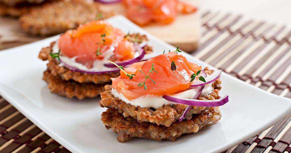 Фото Гречневые блинчики с лососем