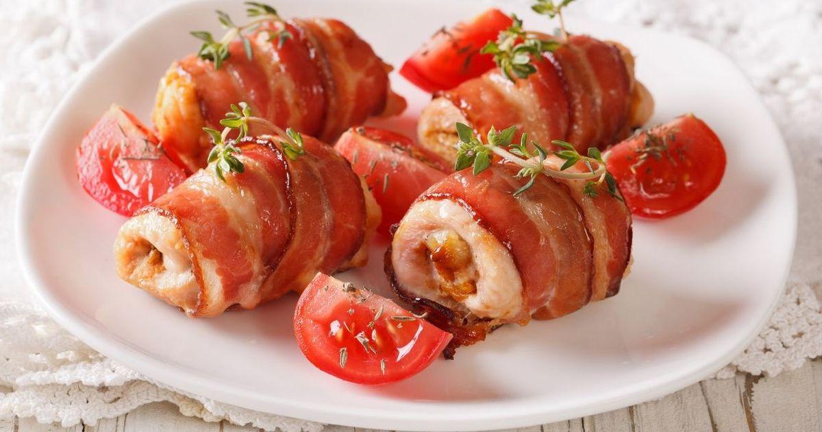 Фото Аппетитные куриные рулетики в беконе