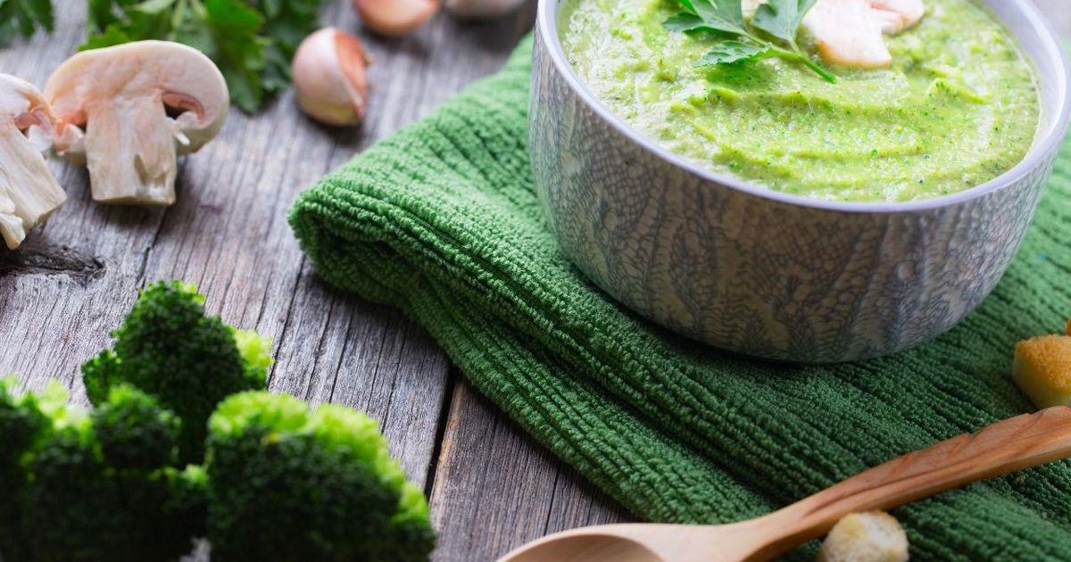 Фото Сырный суп-пюре с брокколи и шампиньонами