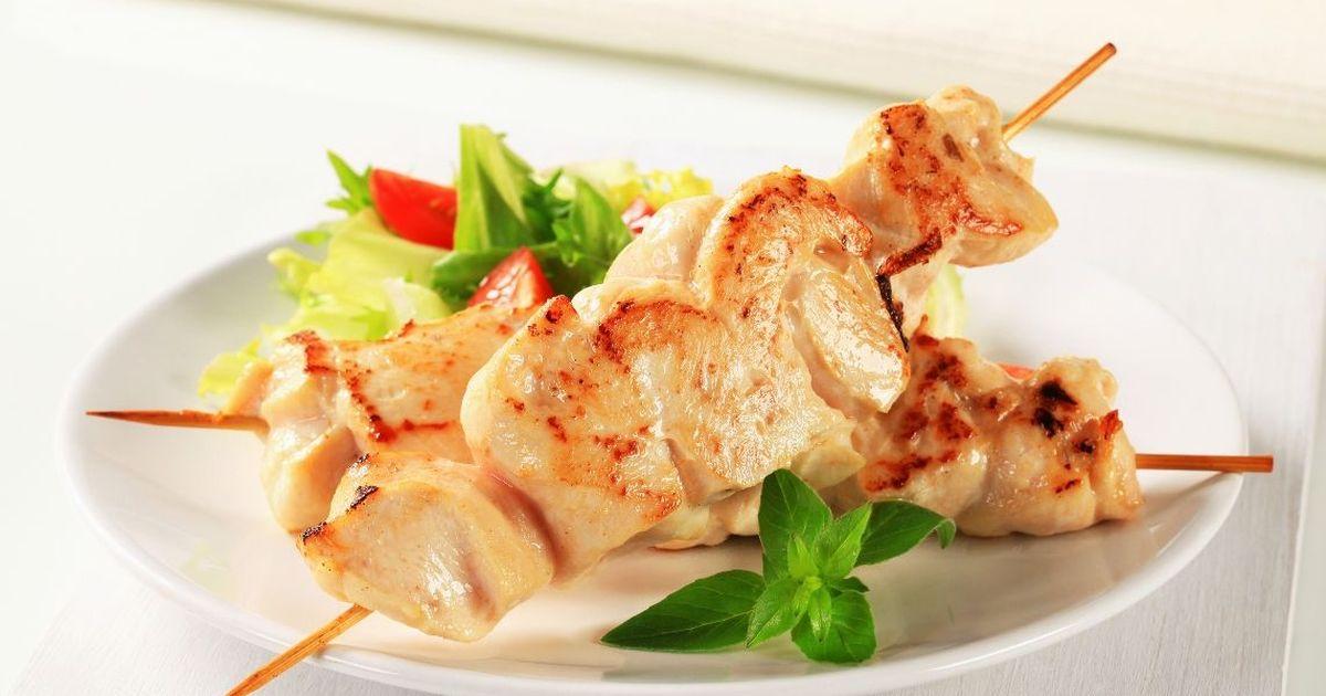 Фото Аппетитный шашлык из курицы в духовке