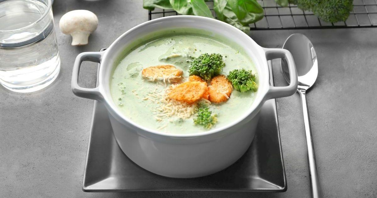 Фото Вкуснейший сырный суп с шампиньонами и брокколи