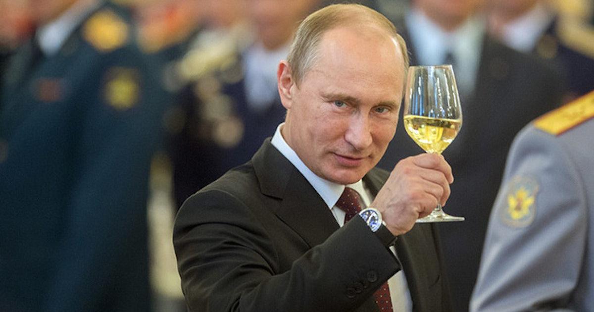 Фото Цена стабильности. Правительство РФ готовится повысить налог на доходы