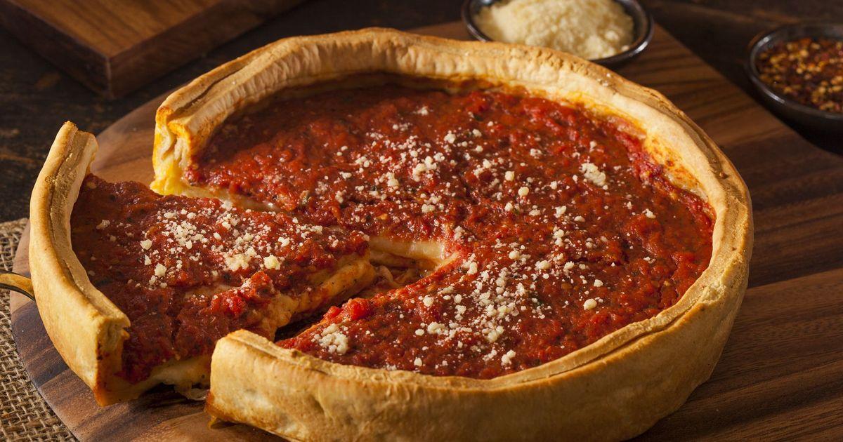 Фото Невероятно вкусная пицца по-чикагски в домашних условиях