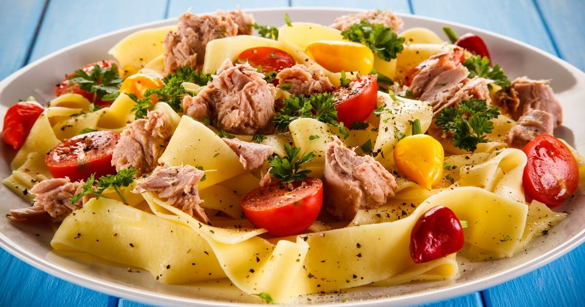Фото Вкуснейшая паста с тунцом и томатами