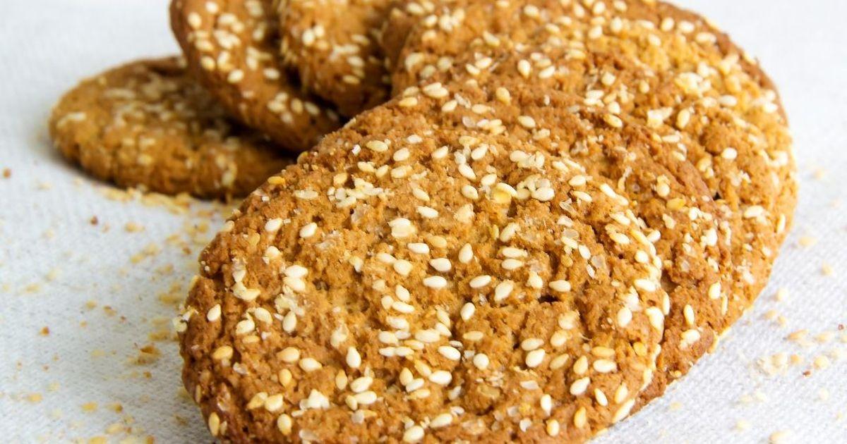 Фото Овсяное печенье на кефире с кужутом