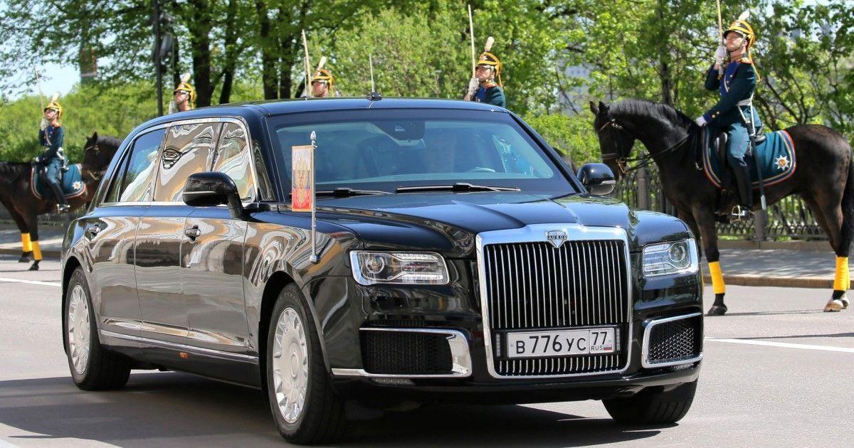 Фото Странные номера. Путин впервые проехал на новом лимузине (ФОТО)