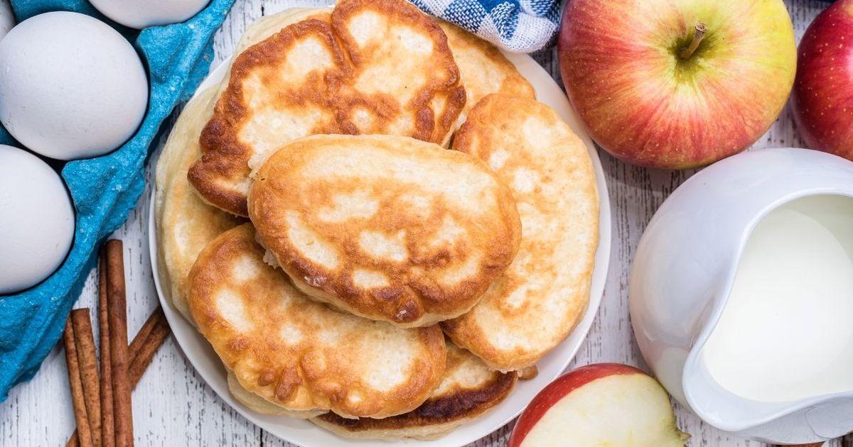 Фото Нежнейшие творожно-яблочные оладьи