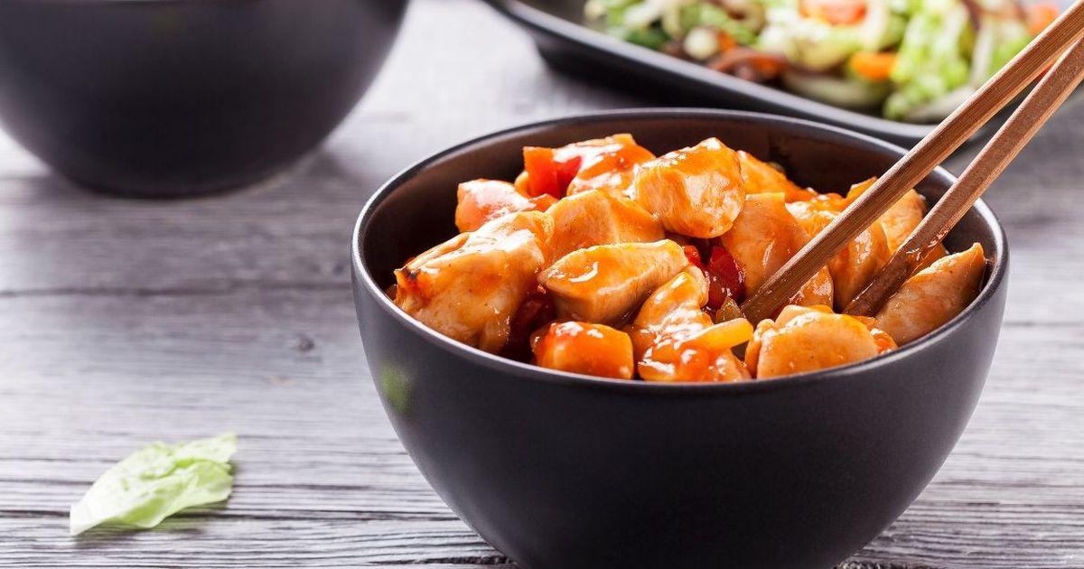 Фото Аппетитная курица в кисло-сладком соусе по-китайски