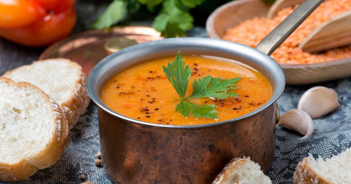 Фото Чечевичный суп с мятным йогуртом