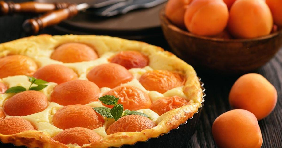 Фото Нежнейший творожный пирог с абрикосами