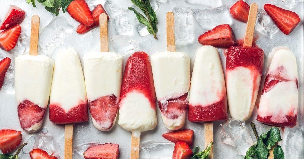 Фото Домашнее мороженое из йогурта с ягодами