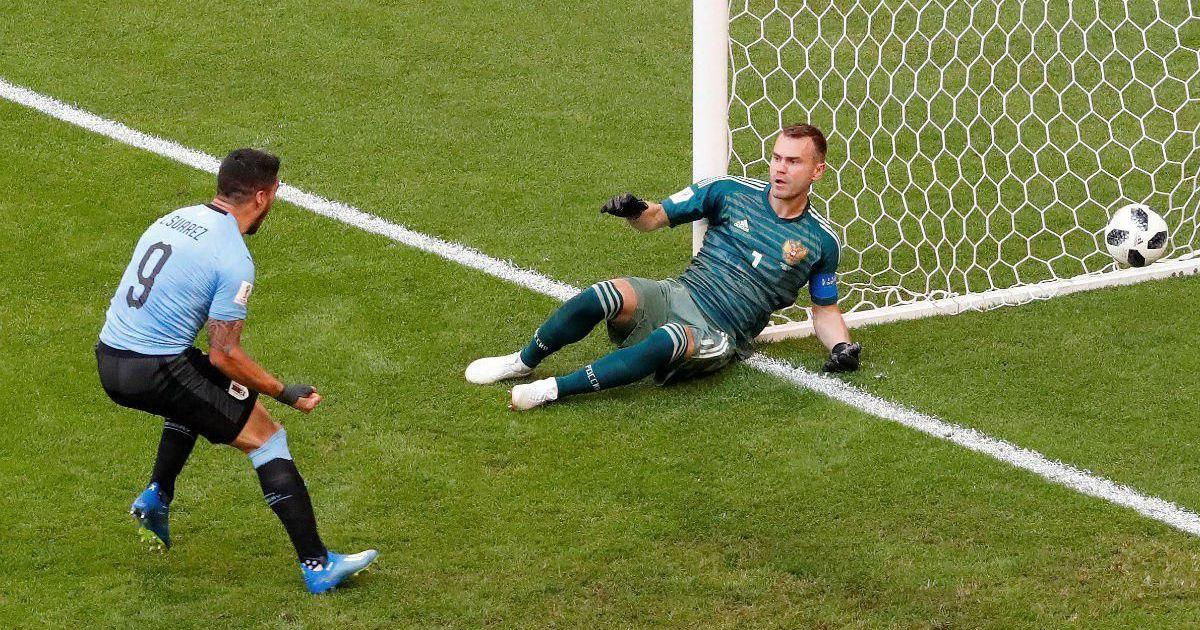 Фото Они вернулись. Россияне получили красную и разгромно проиграли Уругваю