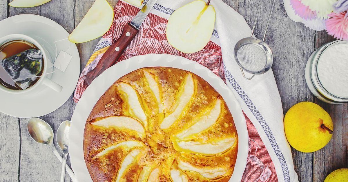 Фото Йогуртовый пирог с грушами