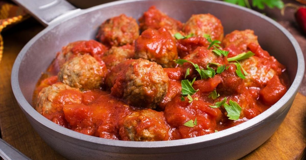 Фото Вкуснейшие домашние тефтели в томатной подливе