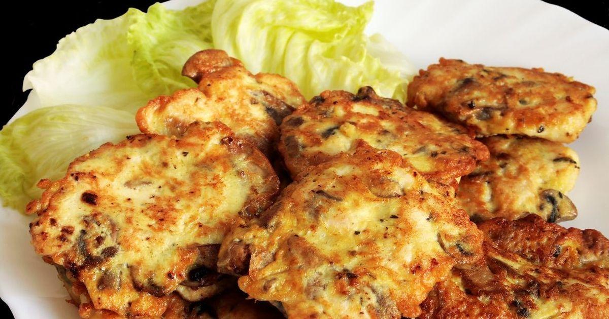 Фото Аппетитные котлетки из курицы и грибов
