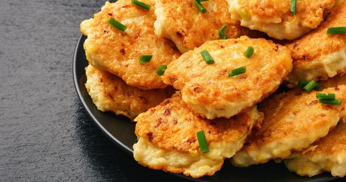 Фото Домашние куриные котлеты с сыром в духовке