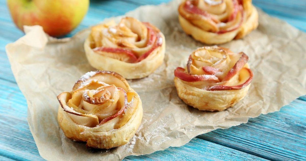 Фото Слойки с яблоками «Розочки»