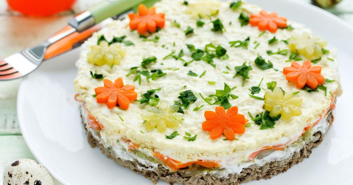 Фото Слоёный салат «Печёнкин»
