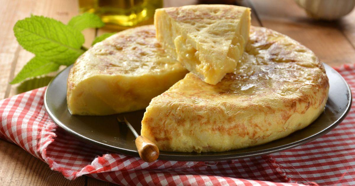 Фото Омлет с картофелем и яйцом по-испански