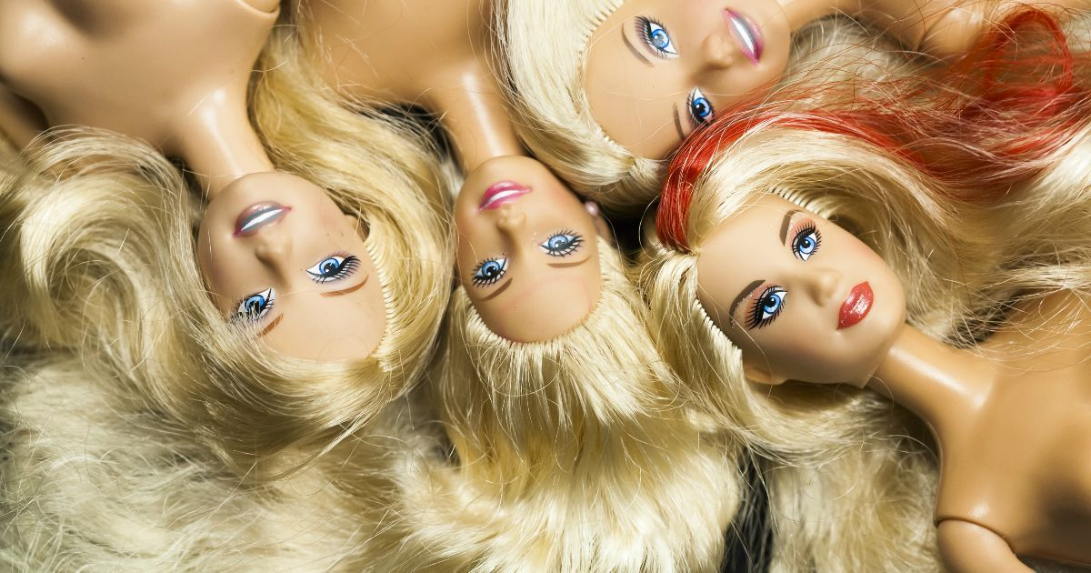 Фото Кукле Барби 60 лет. Ее история и мультфильмы про игрушечную леди