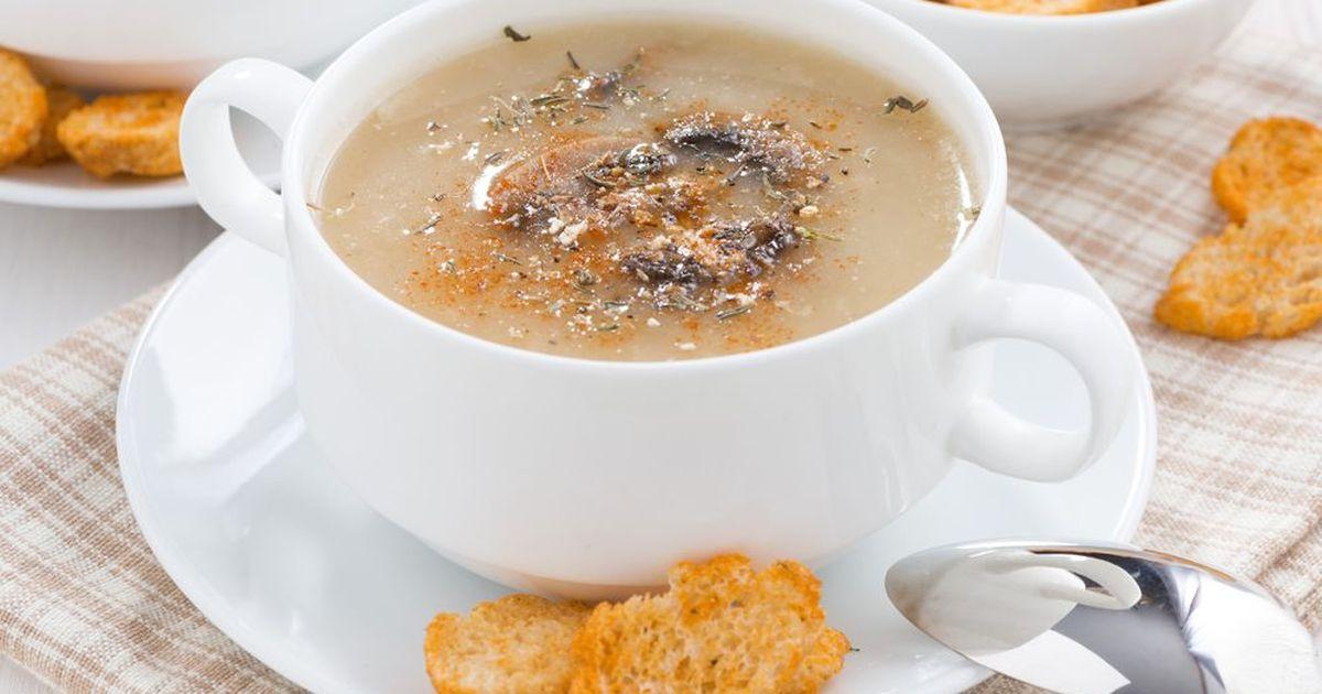 Фото Постный суп-пюре из картофеля с грибами и гренками