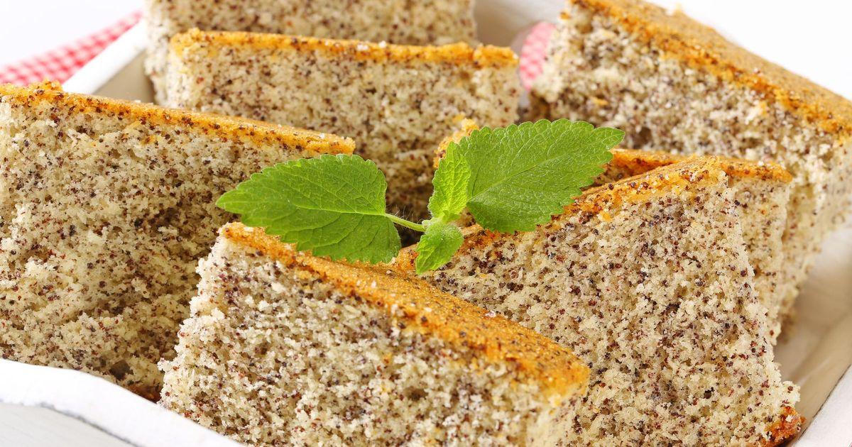 Фото Бисквитный торт с маком