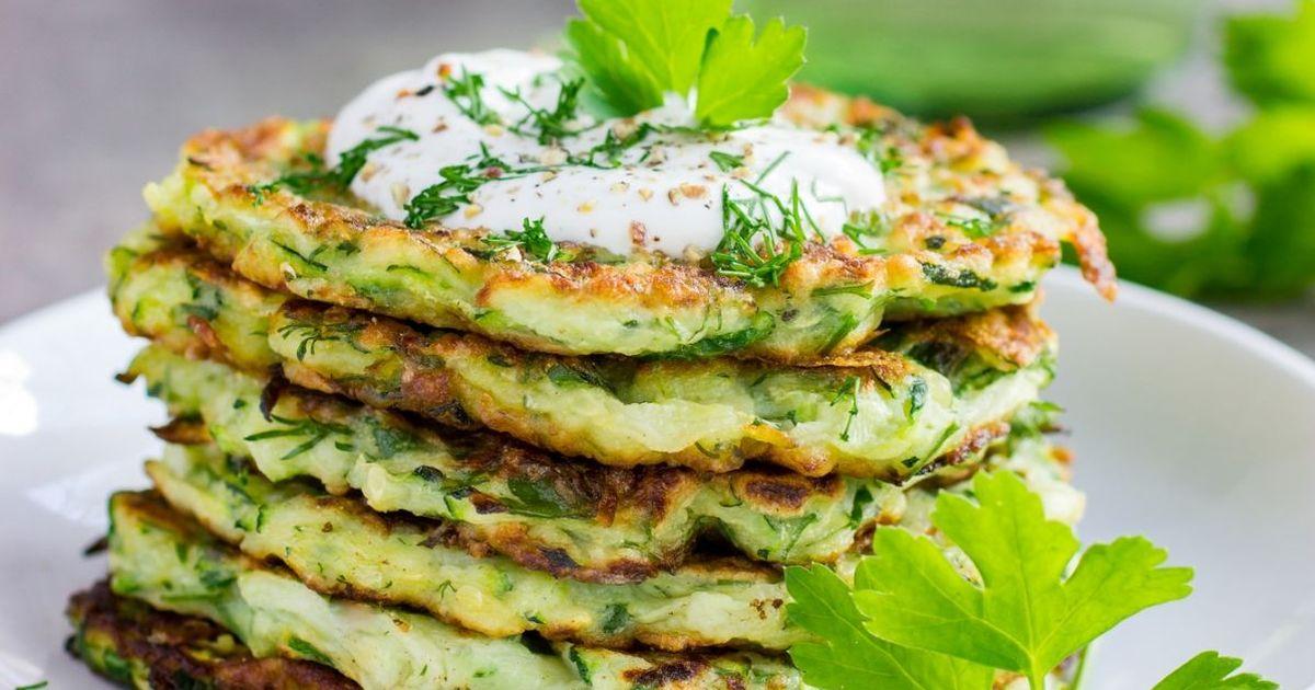 Фото Кабачковые оладьи с сыром и зеленью