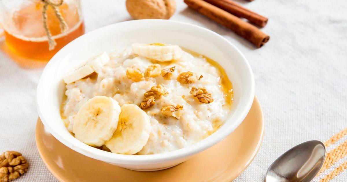 Фото Овсяная каша с бананами, медом и орехами