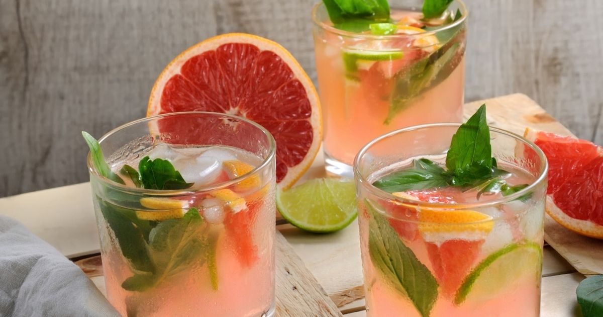 Фото Домашний базиликово-грейпфрутовый лимонад