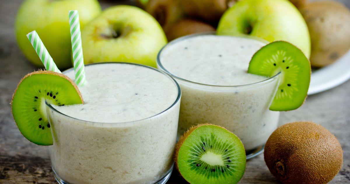 Фото Смузи с яблоком, киви, мёдом и имбирём