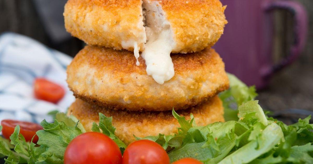 Фото Нежнейшие куриные котлеты с сыром