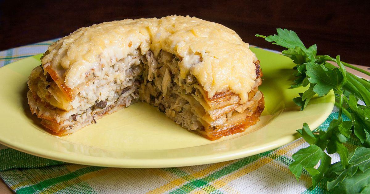 Фото Блинный пирог с грибами и курицей