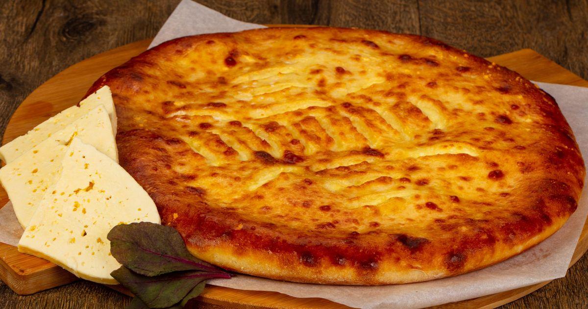 Фото Осетинский пирог с сыром и свекольной ботвой