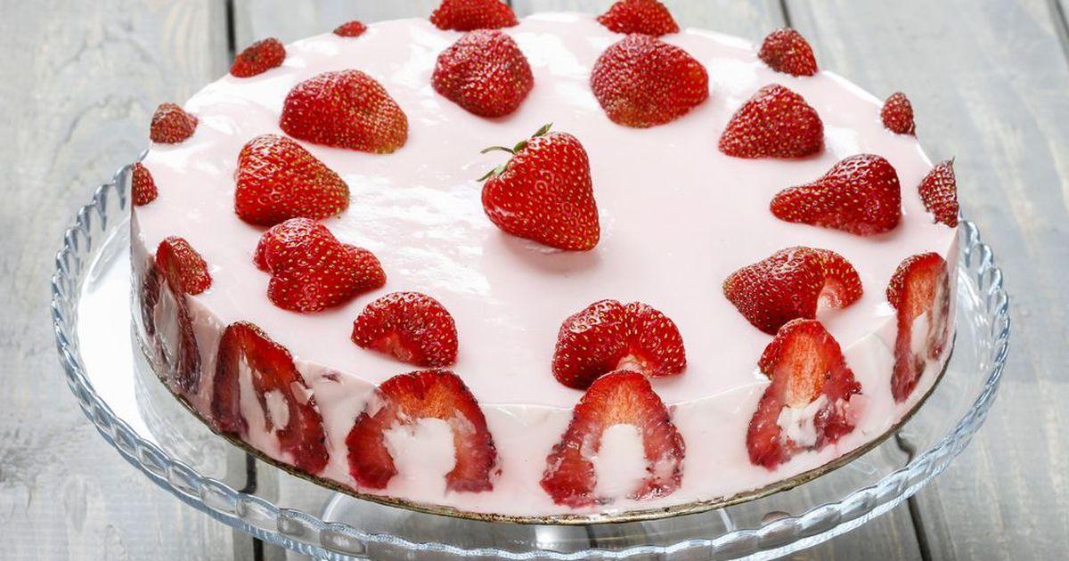Фото Желейный торт с клубникой