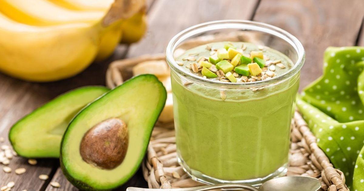 Фото Витаминный смузи с авокадо и бананом
