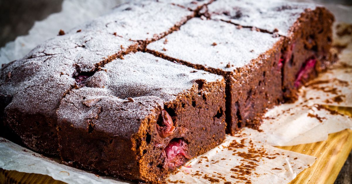 Фото Шоколадный брауни с вишней