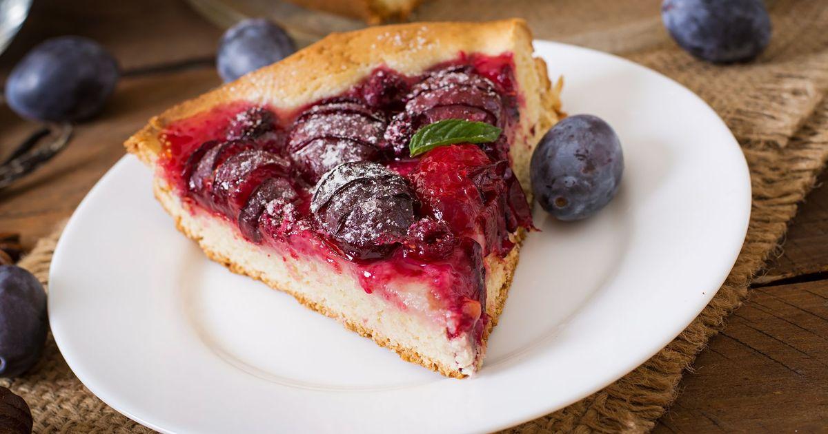 Фото Сливовый пирог с малиной