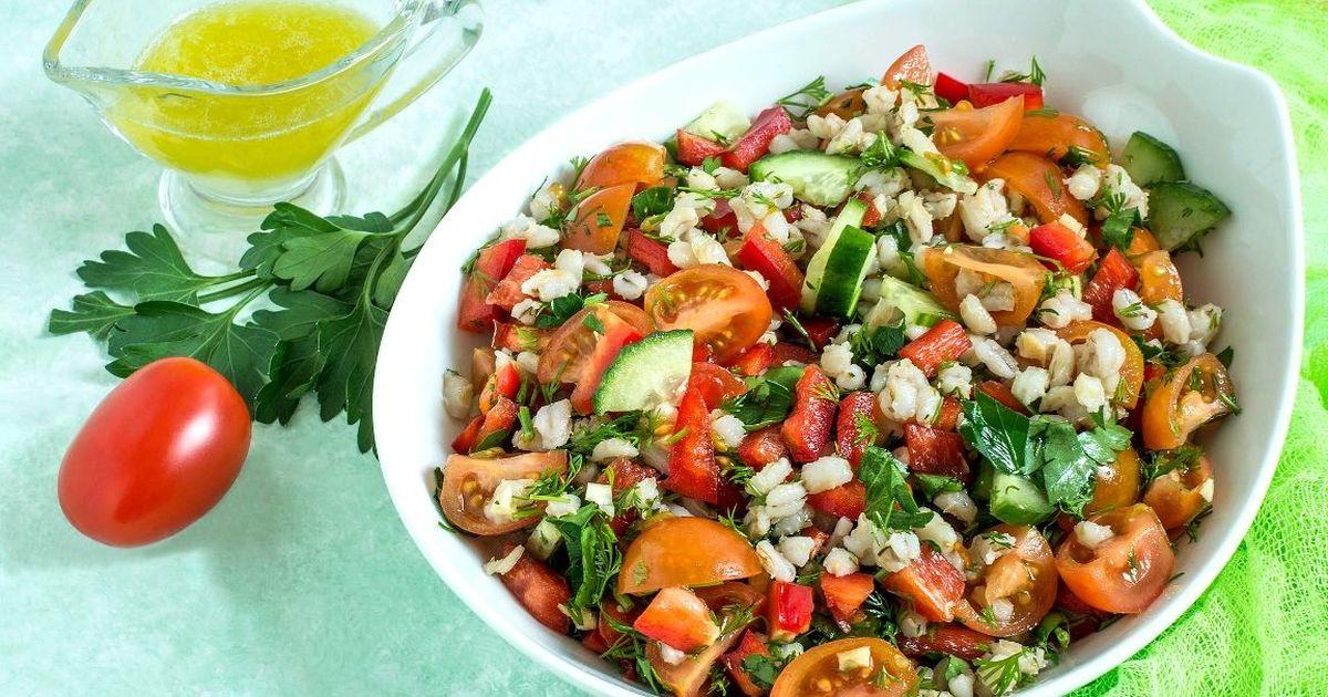 Фото Аппетитный перлово-овощной салат