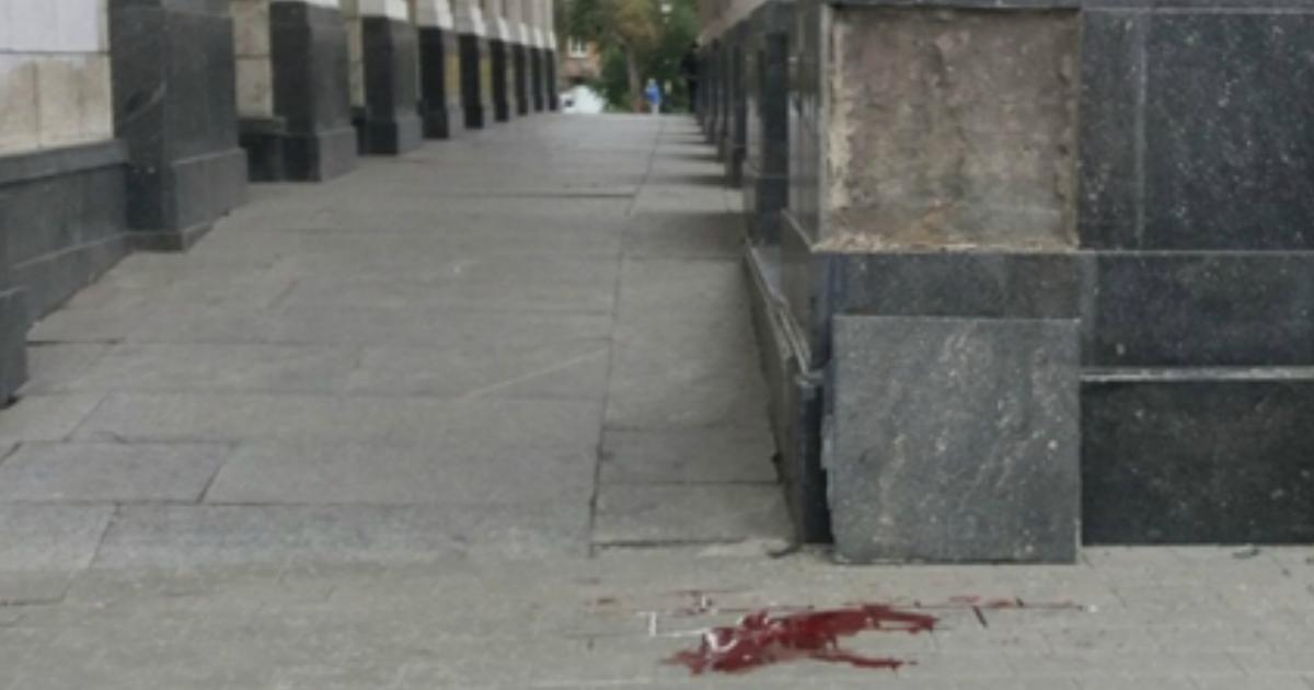 Фото Мраморная плита убила 10-летнего мальчика в Дворце культуры Самары
