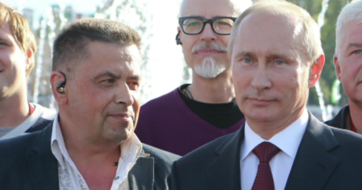 Фото Путин отказался от 100 долларов, которые ему пытался дать Расторгуев