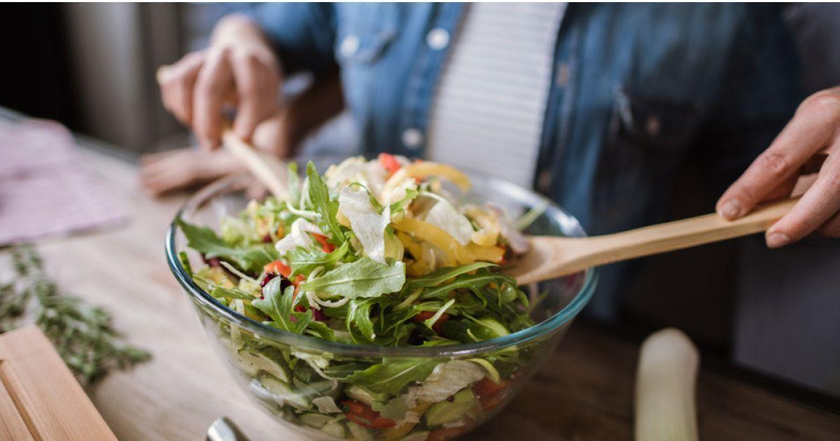 Фото Отказ от мяса и инсульт: почему любовь к салатам бывает опасной