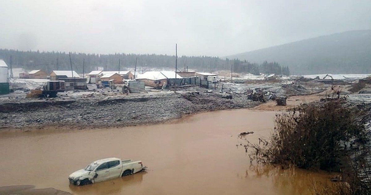 Фото В Красноярском крае прорвало дамбу, не стало более 10 человек