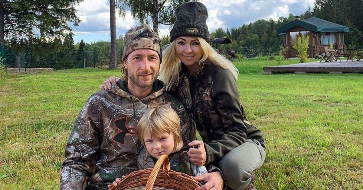 Фото «А ты что, сама не могла?» Рудковская и Плющенко нашли суррогатную мать