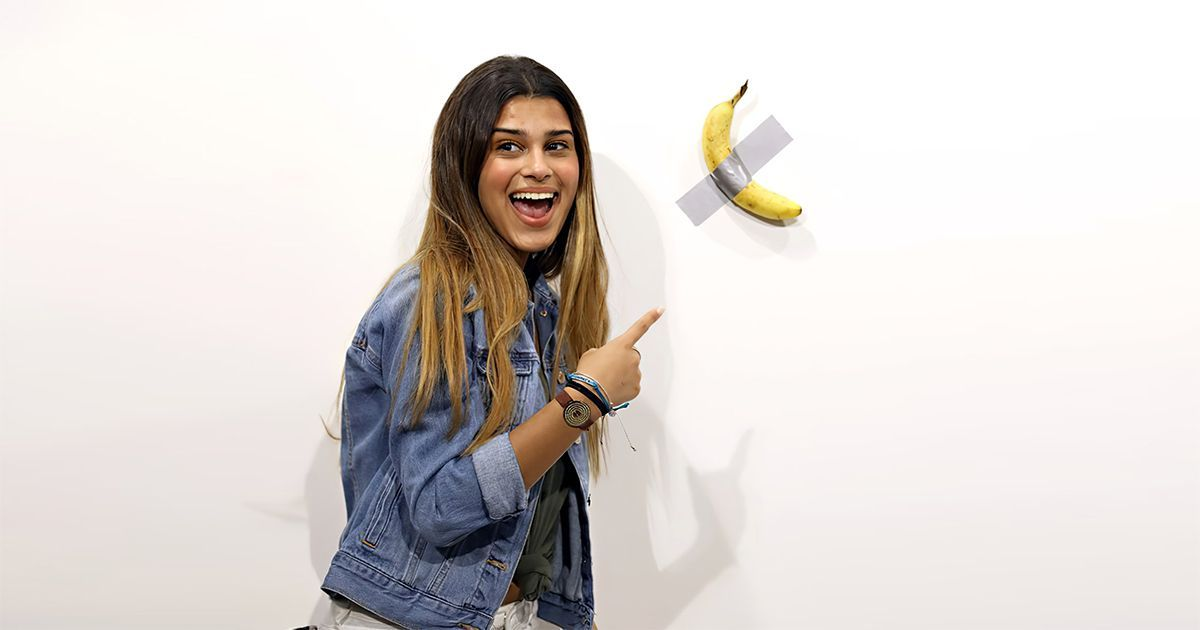 Фото Посетитель выставки съел экспонат, проданный за 120 тысяч долларов