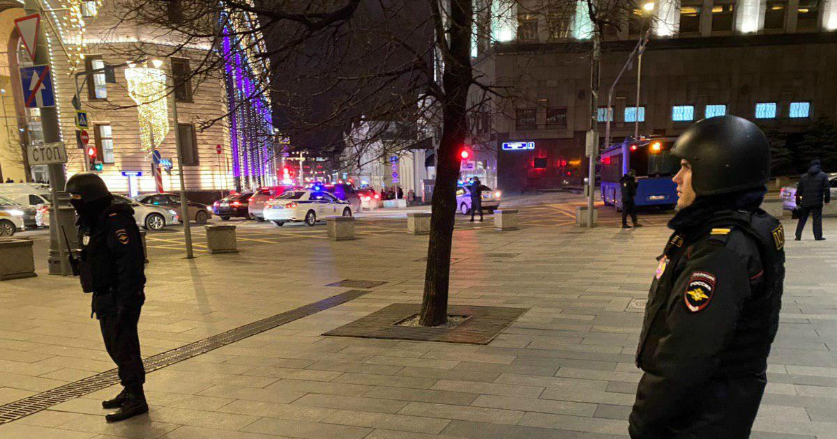 Фото Неизвестные ворвались в здание ФСБ в центре Москвы