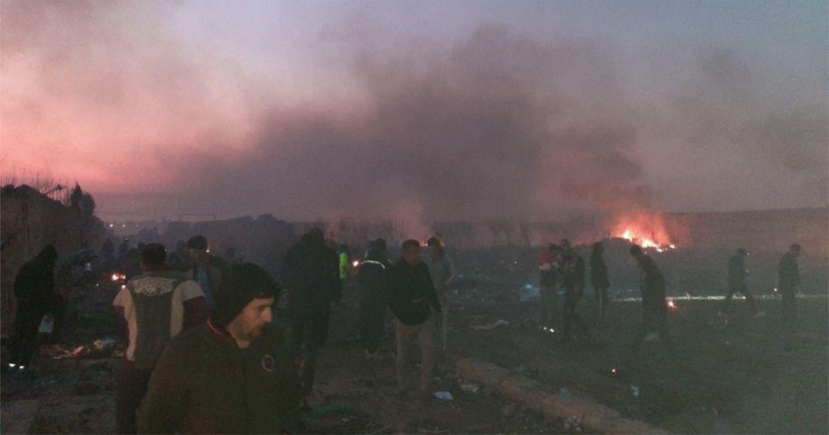 Фото Украинский Boeing 737 разбился в Иране: все пассажиры погибли