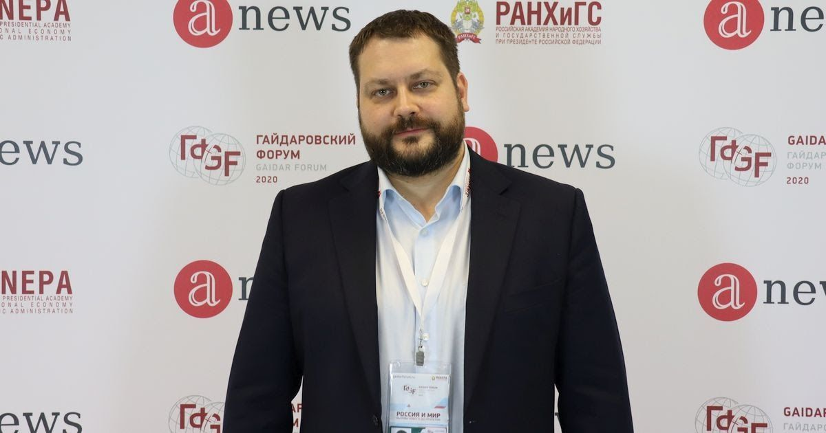 Фото Иван Федотов: итоги Гайдаровского форума, образование врачей и «клуб губернаторов»