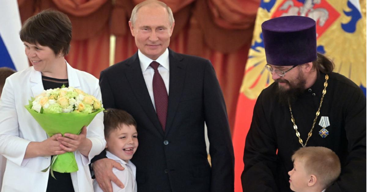 Фото Путин против Водонаевой. Почему маткапитал - это хорошо?