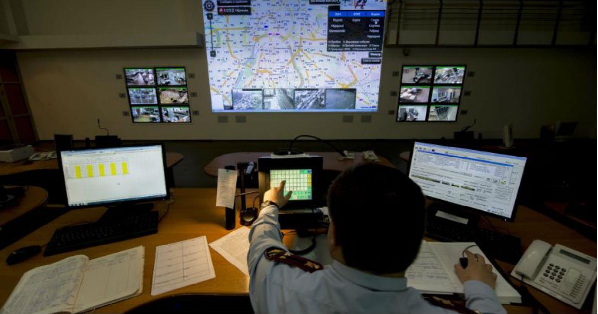 Фото Новый министр связи предложил сдать все данные россиян силовикам. Это как?